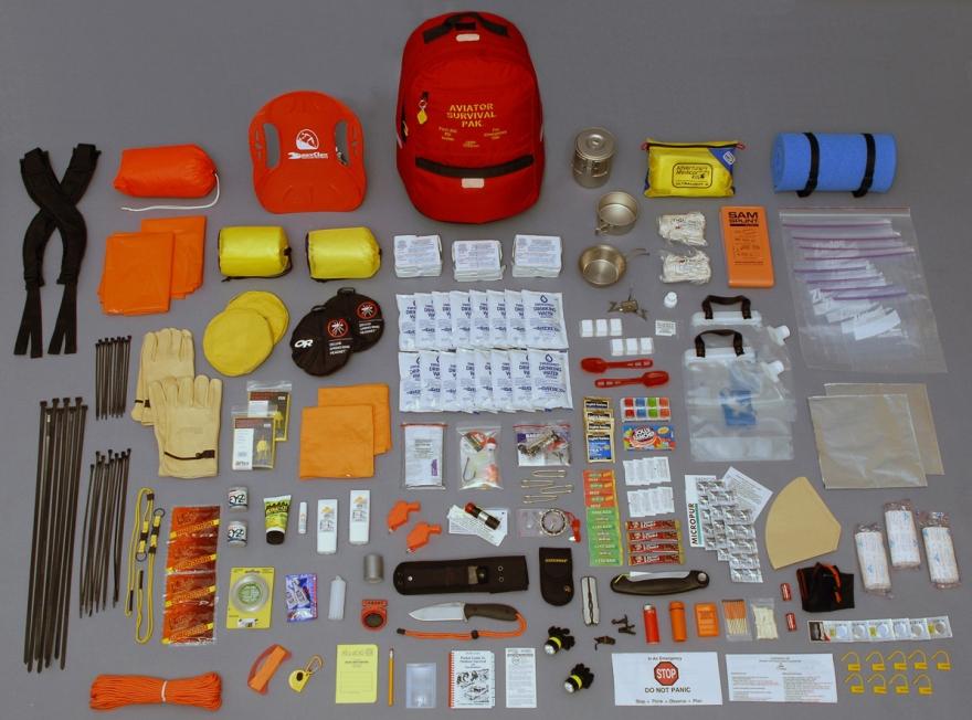 Peralatan Survival   Survival Kit