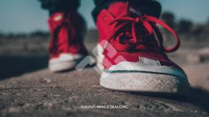 10 Tips Foto Produk Sepatu Seperti Fotografer Profesional